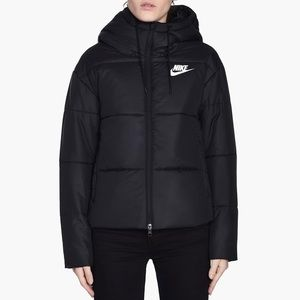 Nike Synthetic Fill Hooded Puffer Jacket